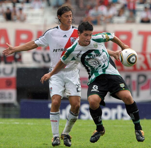 Atlético hunde al Málaga y presiona al Sevilla GettyImages-96301529.jpg