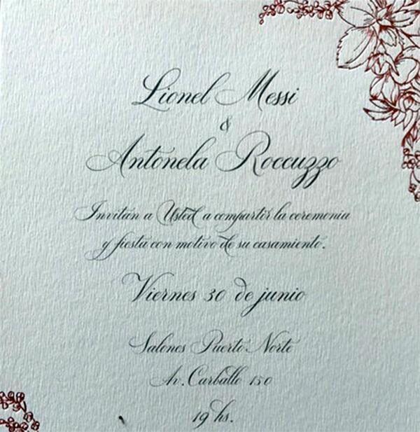 15. Esta fue la invitación que entregaron Messi y Antonella a sus invita...