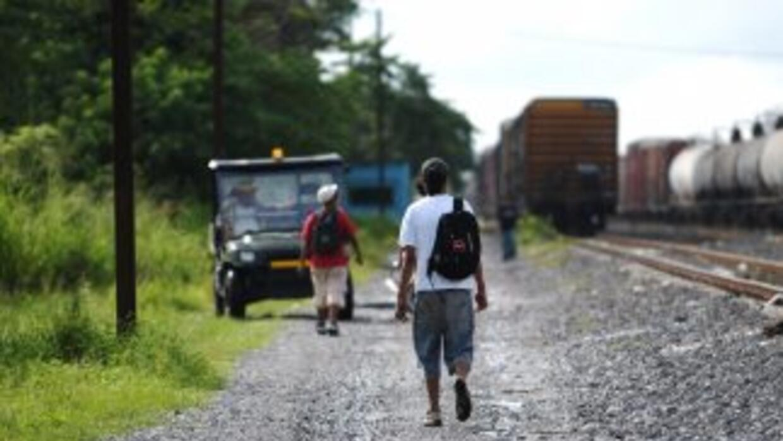 Migrantes centroamericanos sufren travesía