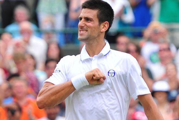 El número dos del mundo, el serbio Novak Djokovic, firmó s...