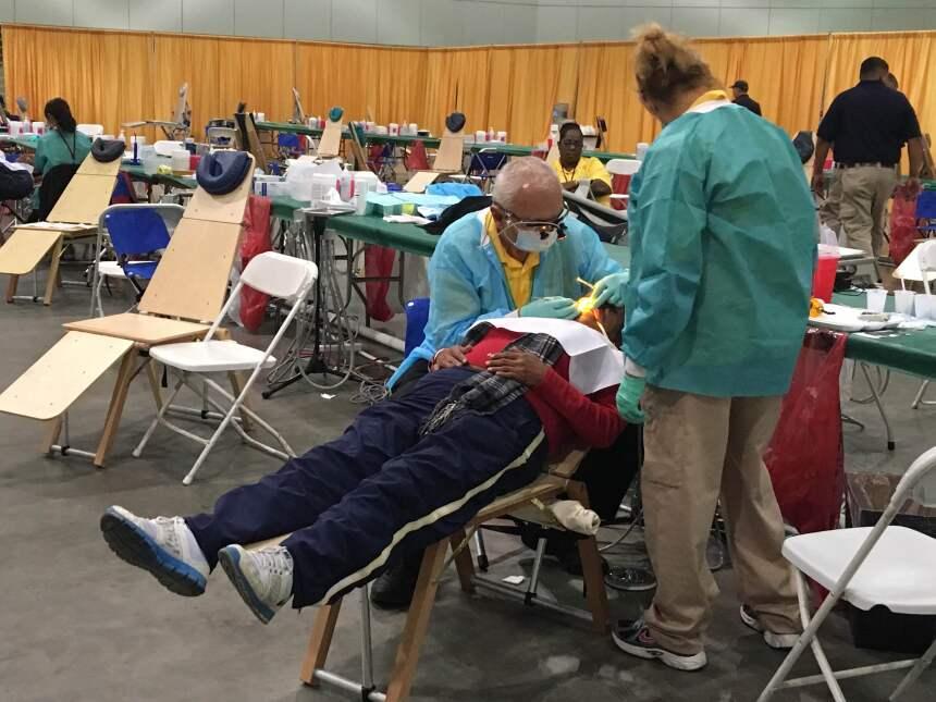 La atención dental fue la más demandada en el evento.