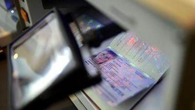 Las consecuencias de llegar a EEUU con visa de turista e intentar trabaj...