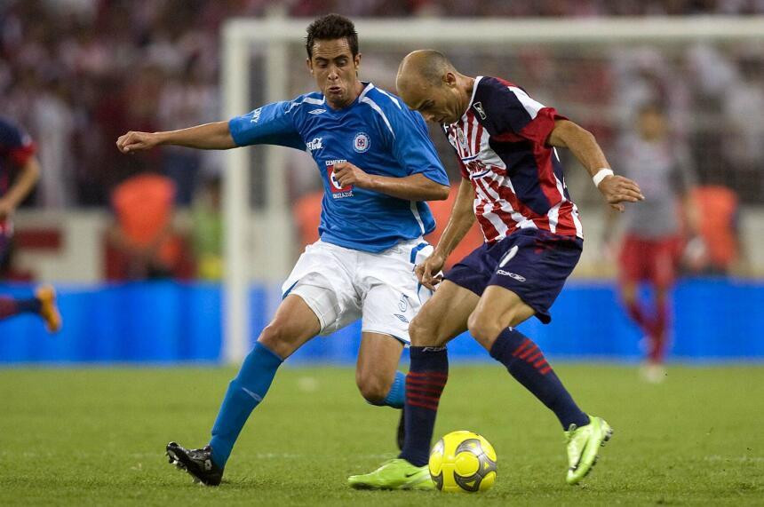 """Chivas busca un """"goleador"""" ante Cruz Azul"""