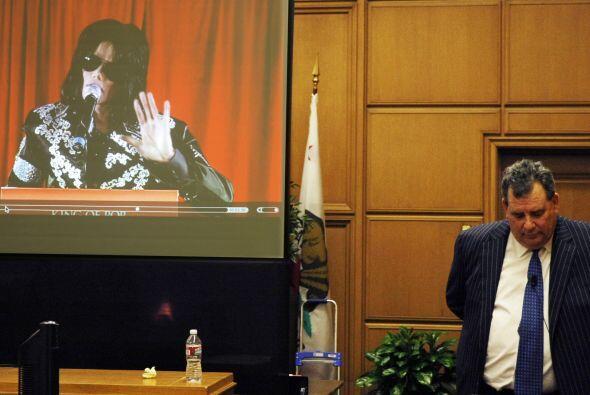 Michael Jackson falleció el 25 de junio de 2009 por una sobredosi...