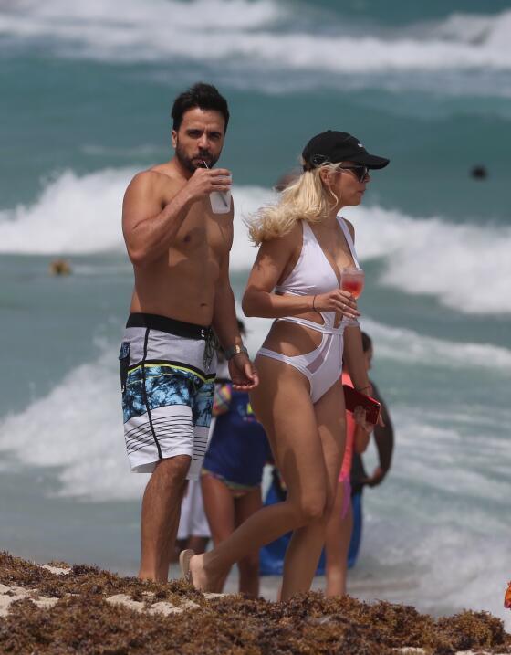 Luis Fonsi celebra su cumpleaños número 39 junto a su esposa Agueda Lópe...