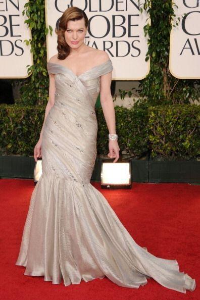 Un sofisticado y glamuroso 'look' fue el que lució durante la noche de l...
