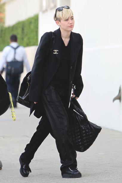 ¡Miley Cyrus es otra famosa que está mejorando su estilo! ¿A poco no luc...
