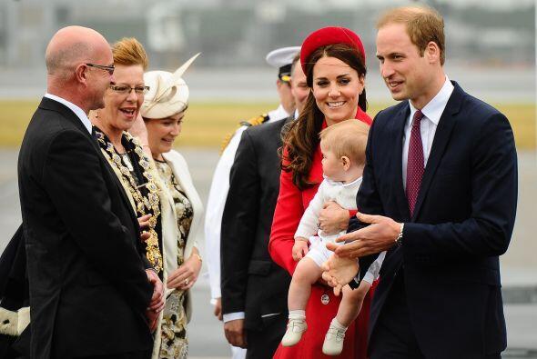 Durante su bienvenida en la capital neozelandesa. Mira aquí los videos m...