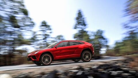 Urus Concept, presentada en el año 2012 en el Auto Show de Pek&ia...