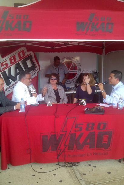 El panel de expertos en la amplia cobertura de WKAQ desde el Centro M&ea...