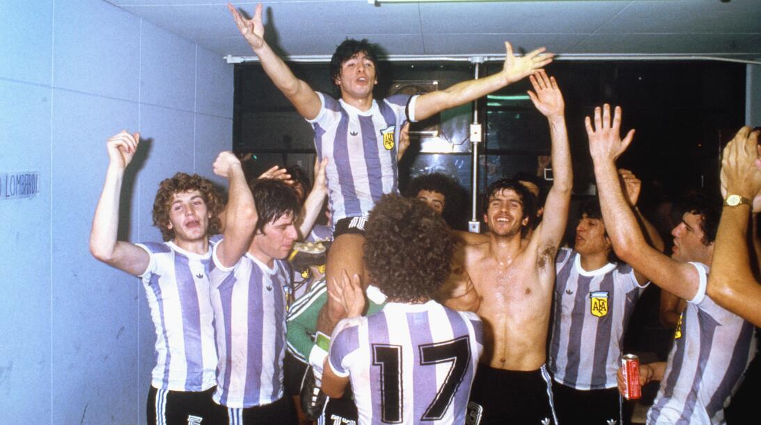 Las 20 estrellas del deporte que brillaron antes de sus 20 años Maradona...