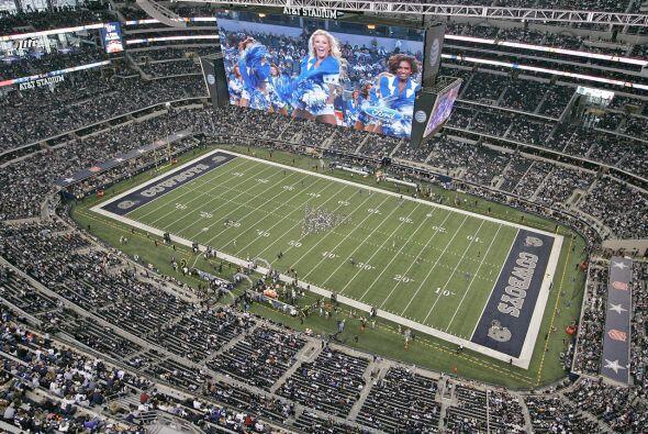 Domingo, Nov. 8 -- Eagles vs. Cowboys, AT&T Stadium, Arlington, Texas (A...