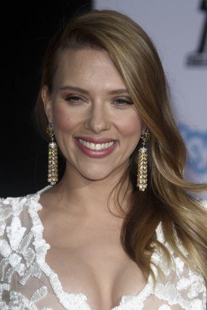 Una Scarlett Johansson embarazada reapareció radiante en la alfombra roj...