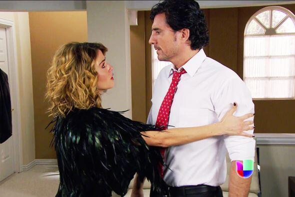 Por poco te quedas sin Armando, Alexa, lo bueno es que lograste convence...