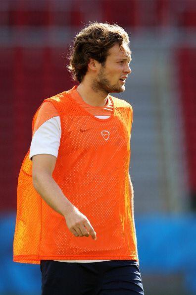 8. DALEY BLIND. Este centrocampista de Holanda vio su valor de 7.2 millo...