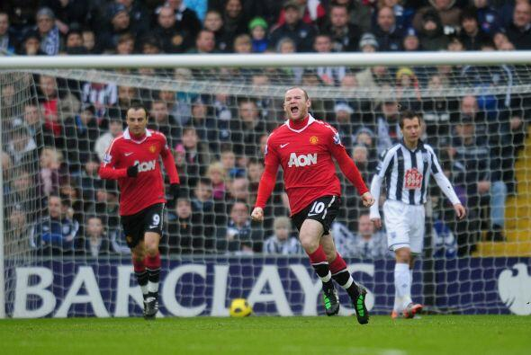 A los 2 minutos apareció Wayne Rooney y conectó un remate de cabeza que...