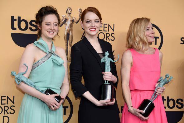 Andrea Riseborough, Emma Stone y Amy Ryan, ganadoras por 'Birdman'.