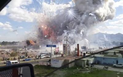 ISIS muestra una foto de la supuesta bomba que derribó el avión ruso en...