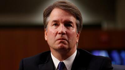 Manifestantes rechazan el tratamiento que le dan los republicanos a la denuncia de acoso sexual contra Brett Kavanaugh