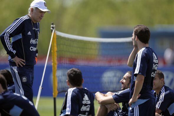 La selección argentina entrena pensando en su primer rival de las elimin...