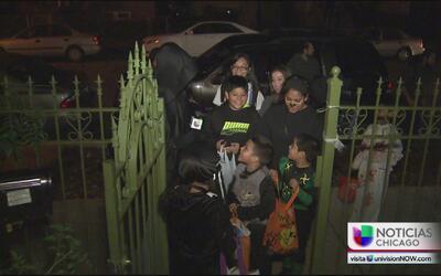 Auri se fue a pedir calaverita con una televidente y su familia