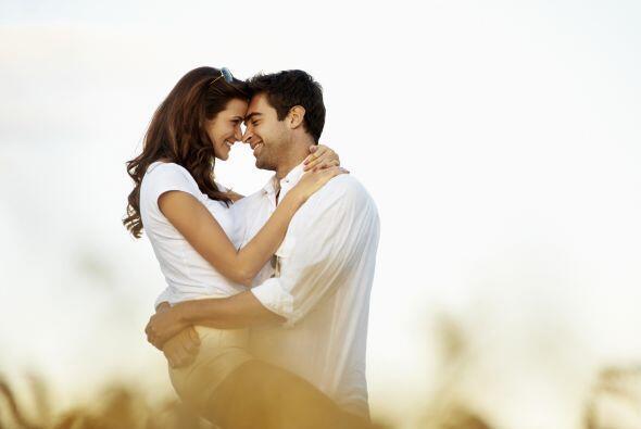 Hay ciertos hábitos que las parejas enamoradas NO hacen, no importa que...