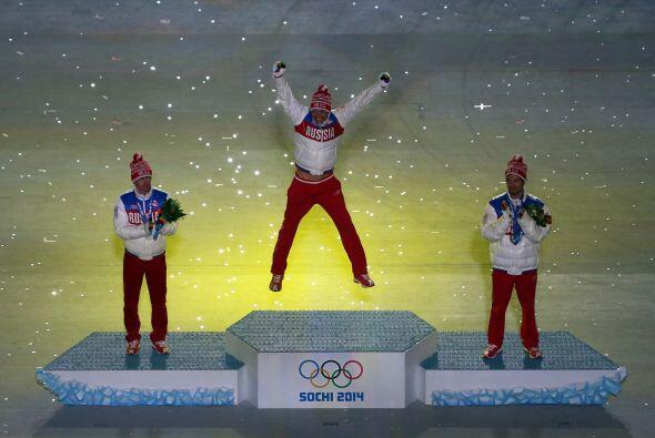 Febrero 24 - Rusia gana las Olimpíadas de Sochi. Los anfitriones rusos f...