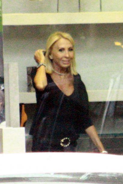 Laura Bozzo entró a una tienda de zapatos en México, pero al parecer no...