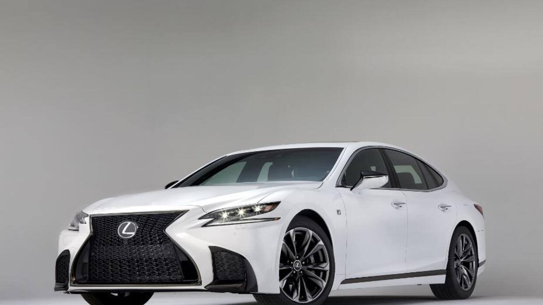 Video: Lexus presenta una versión deportiva de su limosina el LS 500 F S...