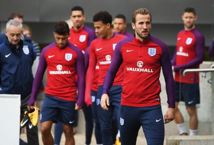 La nueva generación del fútbol inglés está a un empate de conseguir su c...