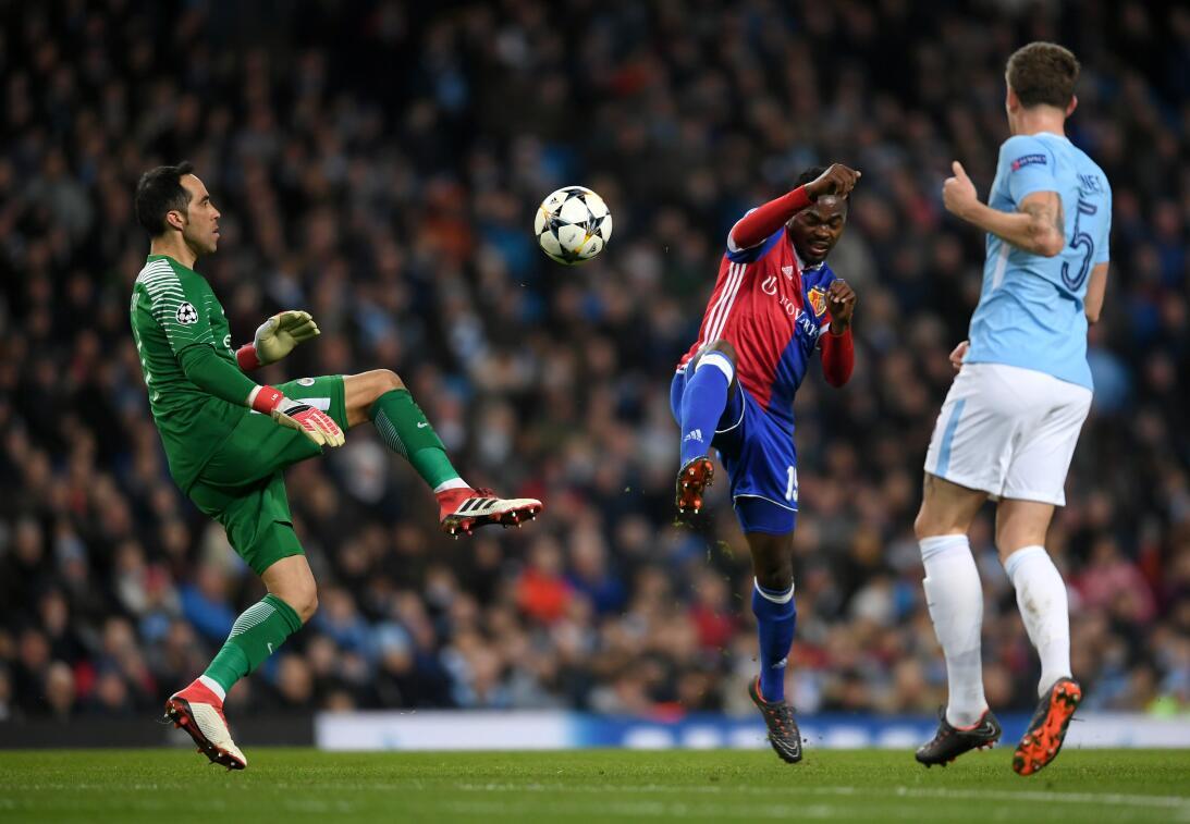 Manchester City clasificó a cuartos de final a pesar de perder contra Ba...