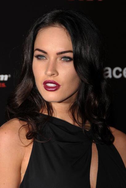 Megan Fox es conocida también por tener unos labios carnosos, humectados...
