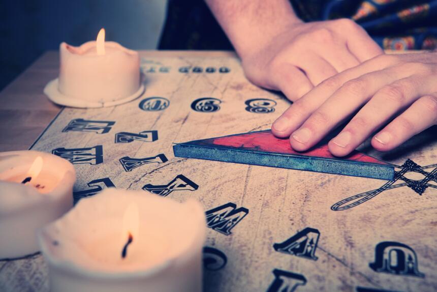 """Ouija, el """"móvil"""" para comunicarnos con el más allá  1.jpg"""
