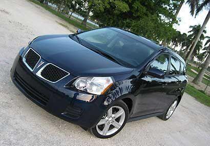 El Pontiac Vibe se renovó completamente en el 2009 para tener un diseño...