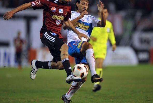 El conjunto chileno, dirigido por Juan Antonio Pizzi, está con un pie en...