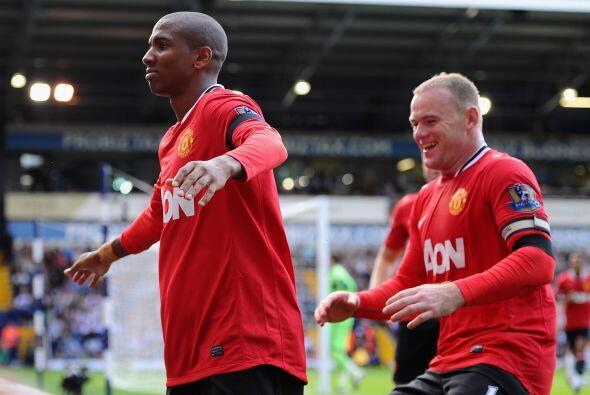 Manchester United ganó su primer juego en la Liga inglesa y Ashley Young...