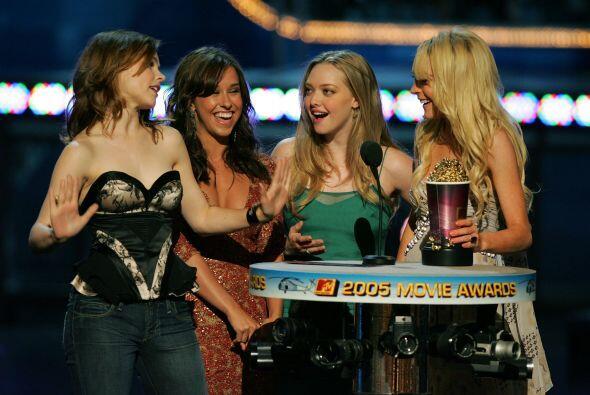Amanda con las otras 'chicas pesadas' en los MTV Movie Awards.