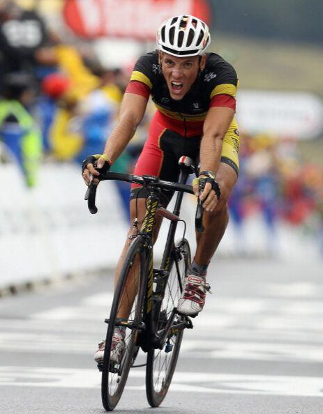 Phillipe Gilbert incrementó el ritmo para alcanzar al portugués Costa, p...