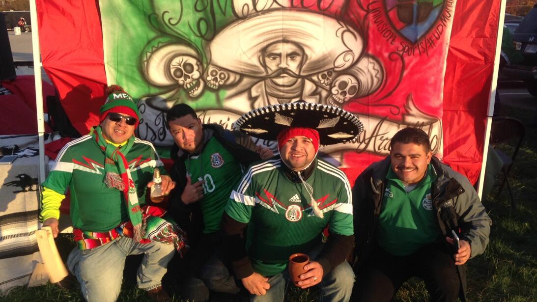 El 'Pancho Villa´s Army' presente para apoyar a México.