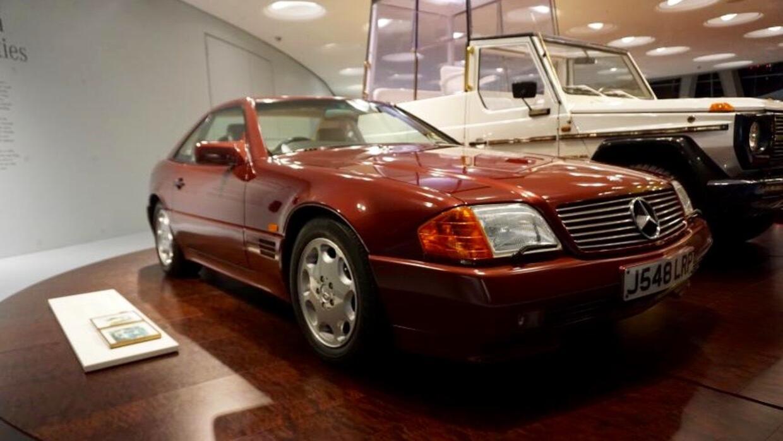 El Mercedes-Benz 500 SL 1991 de la Princesa Diana descansa en el Museo M...