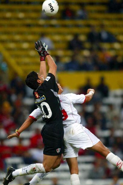 José de Jesús Corona debutó de la mano de Fernando Quirarte en el Clausu...