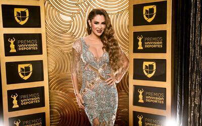 Ninel Conde fue la bella presentadora de los Premios Univision Deportes.