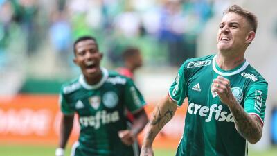 Palmeiras y Flamengo abren con triunfo en la liga brasileña