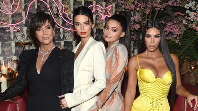 Madre de Kim Kardashian hace que las parejas de su hijas firmen contratos de confidencialidad