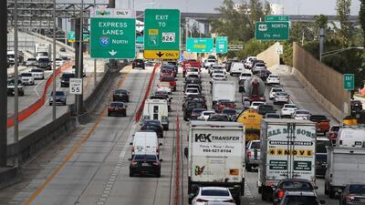 Semáforos con luces adaptivas, ¿Una solución para el tráfico vehicular en el sur de Florida?