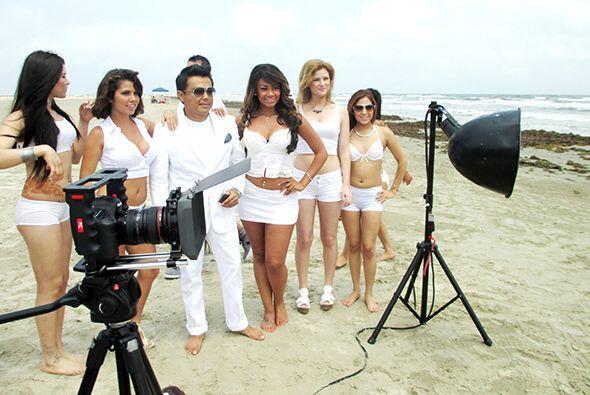 ¡Gracias a los que nos acompañaron a grabar el video en la Playa de Galv...