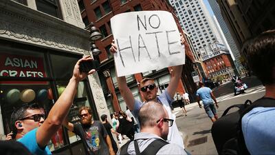 Según el más reciente informe del FBI, los crímenes de odio en EEUU aumentaron durante el 2017