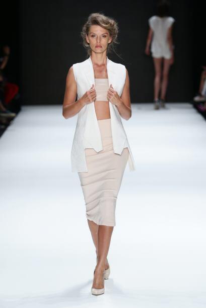 De la mano de las anteriores viene las populares 'pencil skirt'. Ideales...