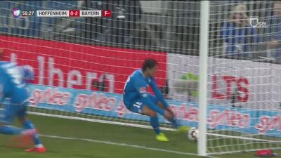 Magnífico contragolpe y golazo de volea de Nico Schulz para apretar el marcador