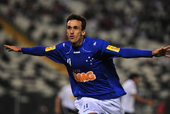 Thiago Ribeiro abrió el marcador para el club brasileño, Rodrigo Millar...
